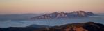 Montserrat sobre la boira